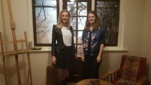 Lisanne Halleriet en Judith Kadee in de Mondriaan Escape Room
